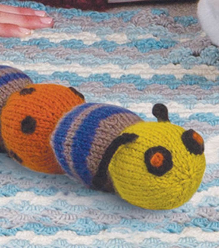 Knitting Pattern For Very Hungry Caterpillar Toy : Pin by rita janssen on Knuffels Pinterest