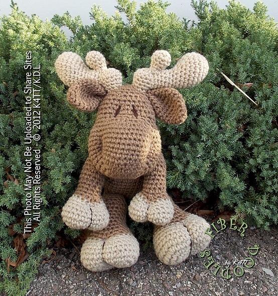 Moose Knitting Pattern : Ravelry: KISS Series - Moose pattern by K4TT. Amigurumi: Deer, Moose Pint...