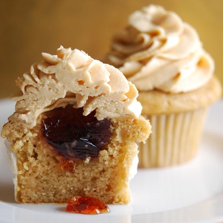 Peanut Butter & Jelly Cupcake | Cupcake Inspiration | Pinterest