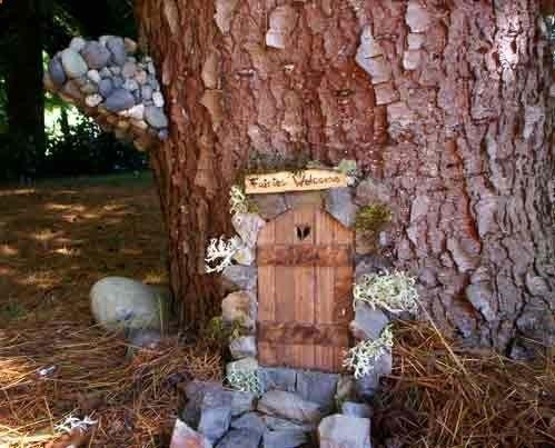 Fairy door awesome garden ideas pinterest for Fairy house doors