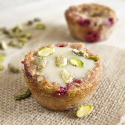Baked Honey Oatmeal with Raspberries and Pistachios
