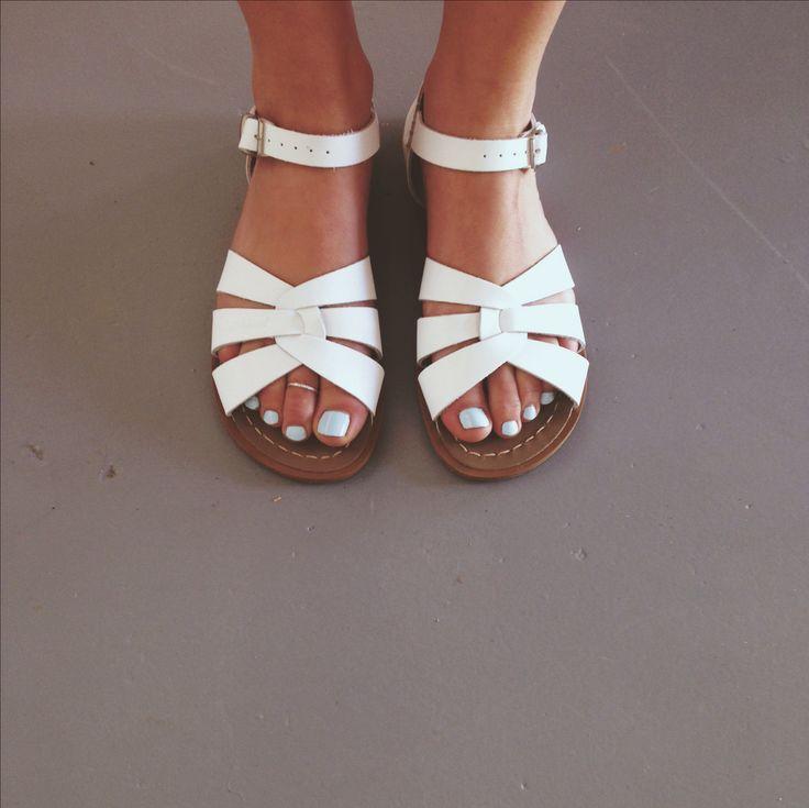 Model Saltwater Sandals Vintage 1980s Salt