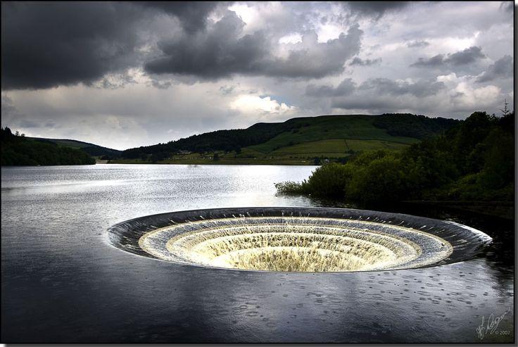Ladybower reservoir, Derbyshire