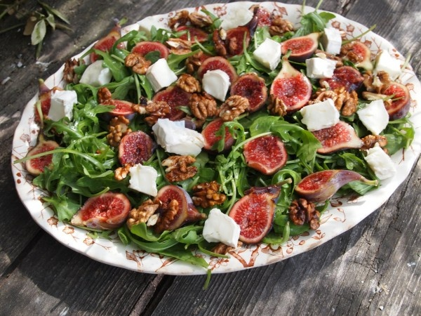 Fresh Fig and Goat's Cheese Salad with Walnuts | Recipe