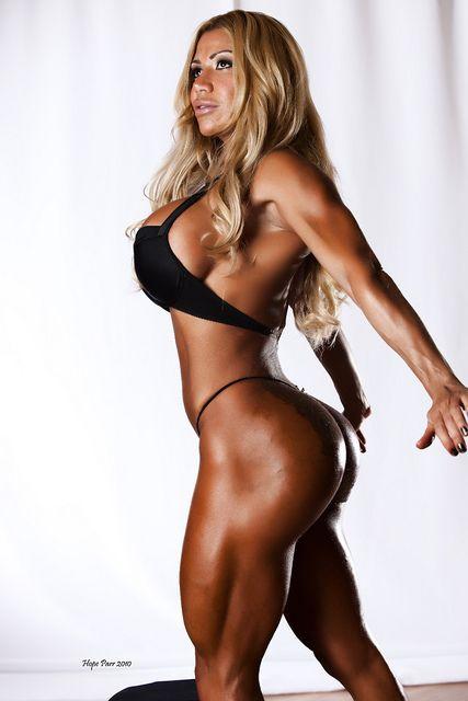 Chocolate booty? | HardBody | Pinterest | Fitness outfits ...