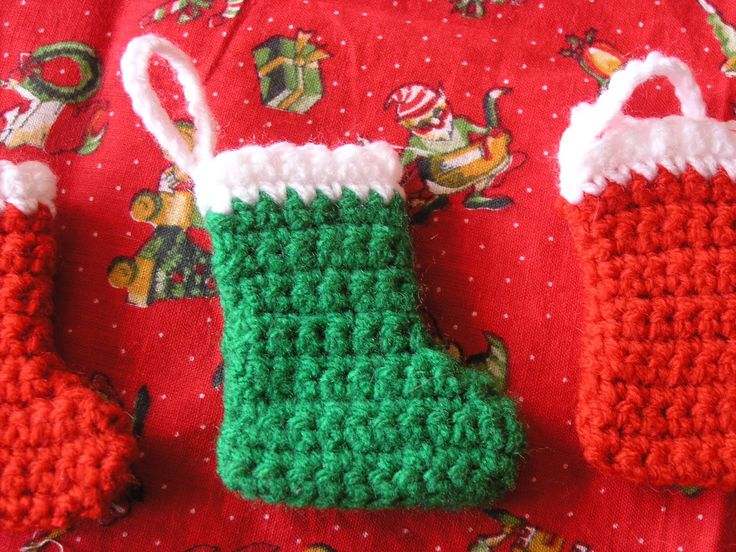 Free Crochet Patterns For Mini Christmas Stockings : Pin by Melissa Pierce on crochet Pinterest