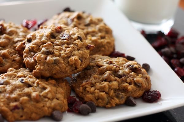 Pumpkin oatmeal cookies with dried cranberries & chocolate chips | Re ...