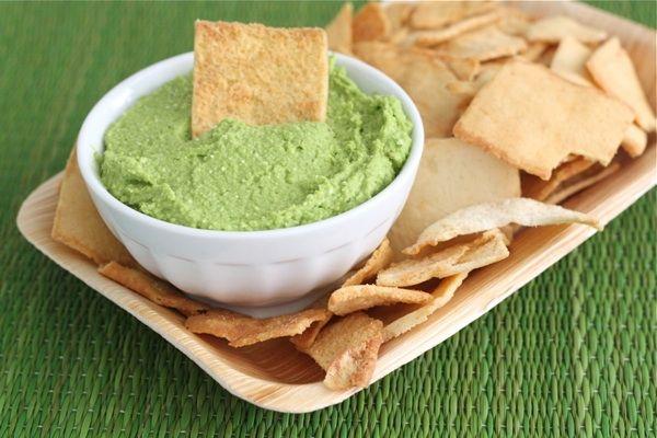 Spinach and Feta Hummus #hummus #appetizer #feta #spinach #cheese