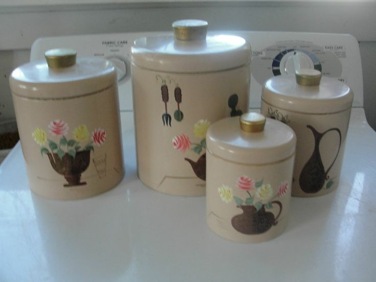 Kitchen canister set of 4 vintage old metal tin for Kitchen set for 4 year olds
