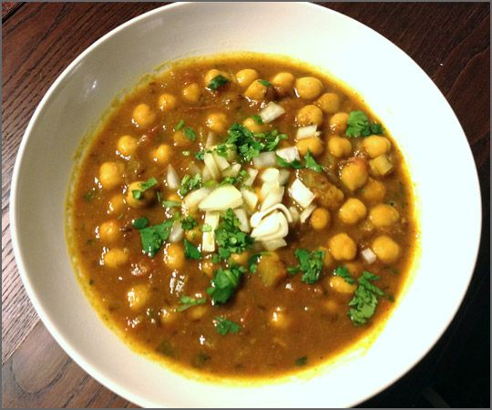 Channa Masala - Indian Chickpea Curry | Recipes | NoshOnIt