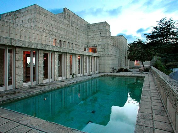 Frank lloyd wright 39 s ennis house in los angeles for Frank lloyd wright california