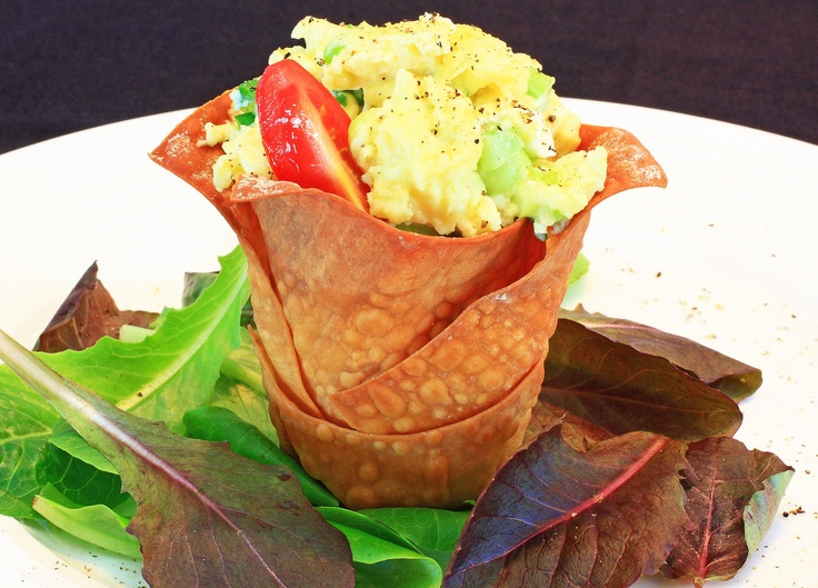 Scallion and Cream Cheese Scrambled Eggs in Wonton Cups by Food Madam