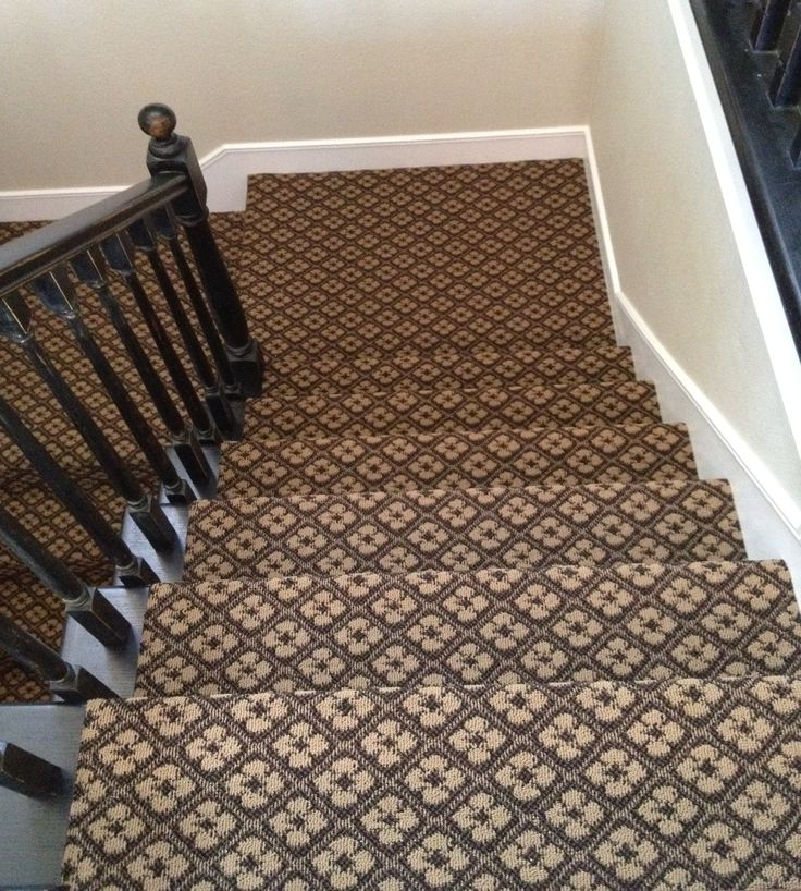 Patterned Carpet For The Staircase Love Reno Ideas