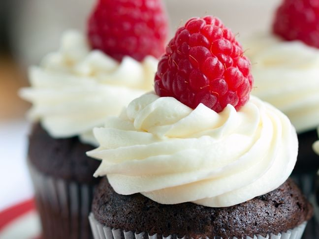 Chocolate Cupcakes with Marshmallow Frosting ~ yummy cupcake recipe