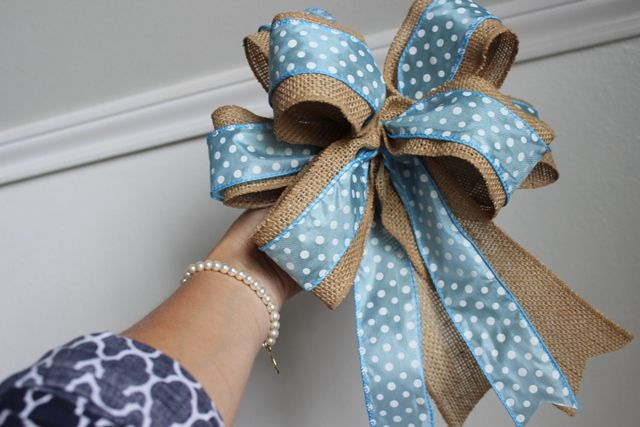 Susie Harris: Burlap Bows DIY: different color of ribbon for the ...