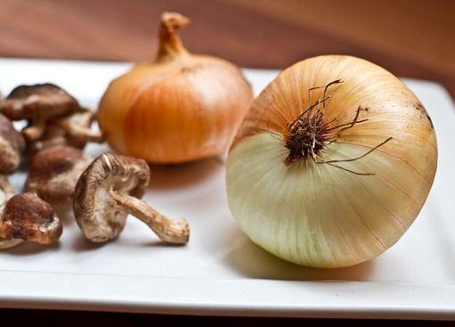 "mushroom, onion, and spinach tart with ""cheese"" (vegan)"
