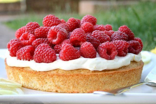 Lemon and Raspberry Summer Cake