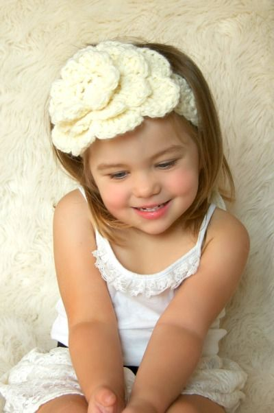 Http www free homemade gift ideas com crochet headband with flower