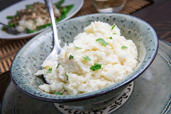 Garlic mashed cauliflower! | Food & drinks | Pinterest