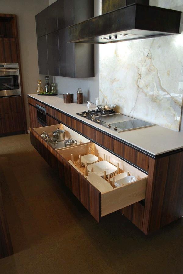 Kitchen Cabinet Storage Plate Pegs Kitchens Storage Solutions