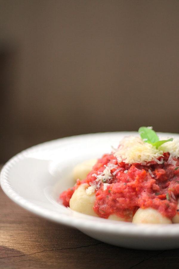 Molho de tomates frescos ou omolho mais fácil do mundo