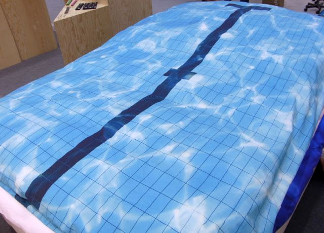 Bettw sche bed linen schwimmbad swimming pool snurk trend for Swimming pool bed