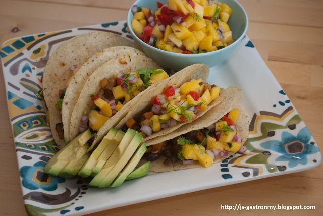 Gastronomy: Black Bean Tacos with Fresh Mango Salsa - An easy and ...