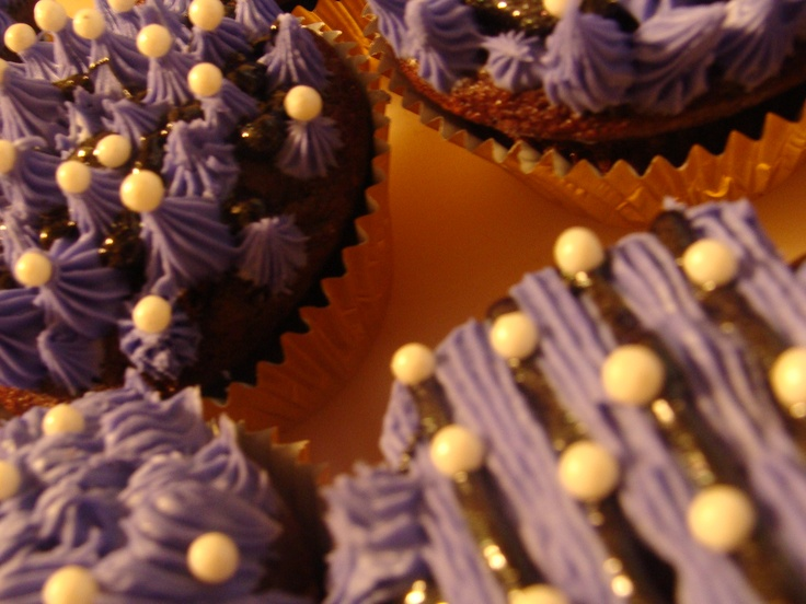 Chocolate Cupcakes with Peanut Butter Pudding Centers