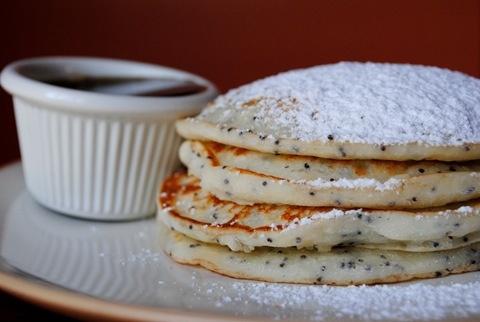 Lemon Poppy Seed Pancakes. Git in mah belly!!