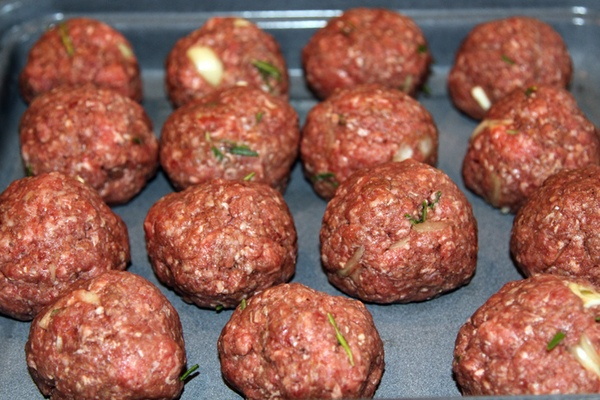 Homemade Meatballs | Foodspotting for Foodies | Pinterest
