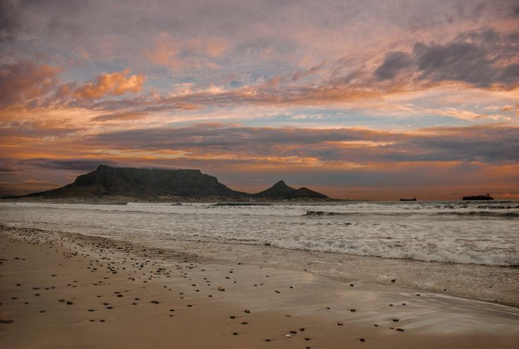 """""""Sunset over table mountain (South Africa)"""" by César Asensio Marco"""