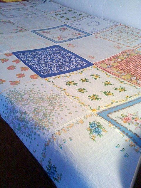 Одеяло сделано со старинными платочками!