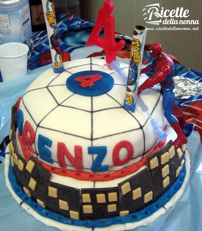 torta di spiderman
