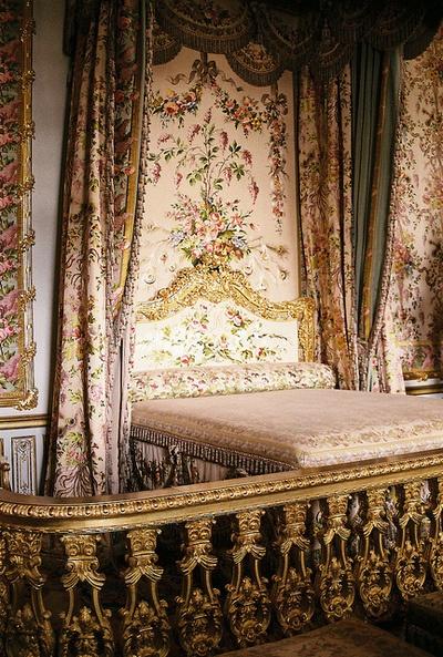 marie antoinette bedroom color me glamour gold