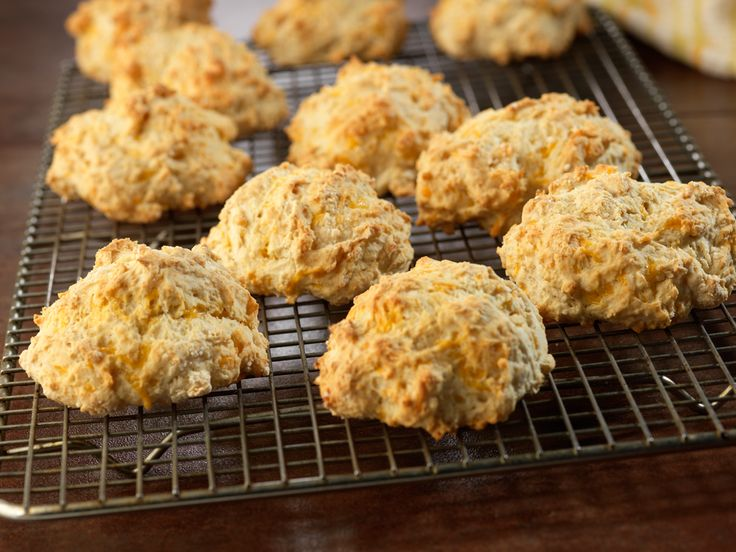 Cheddar & Garlic Biscuits | Recipe