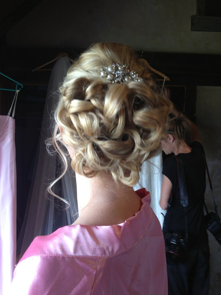 messy curly bun beautiful wedding hairstyle, Queenstown bride Hair ...