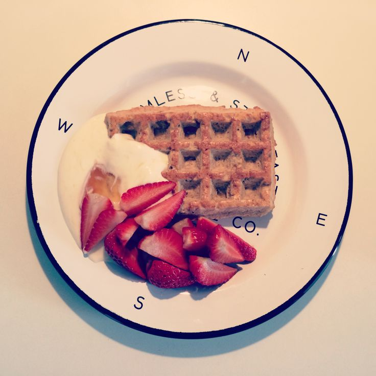 Dukan waffle wtih greek yogurt, honey and strawberries