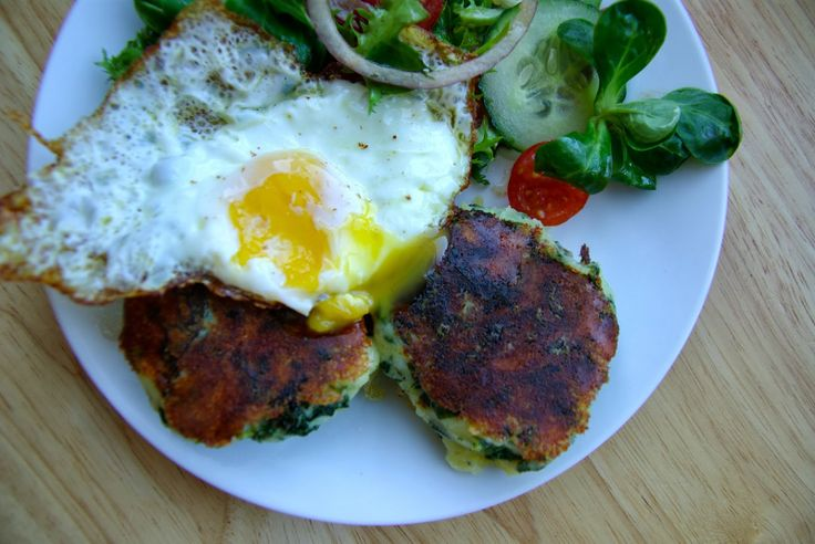 Colcannon cakes with gruyere | Well Worn Whisk