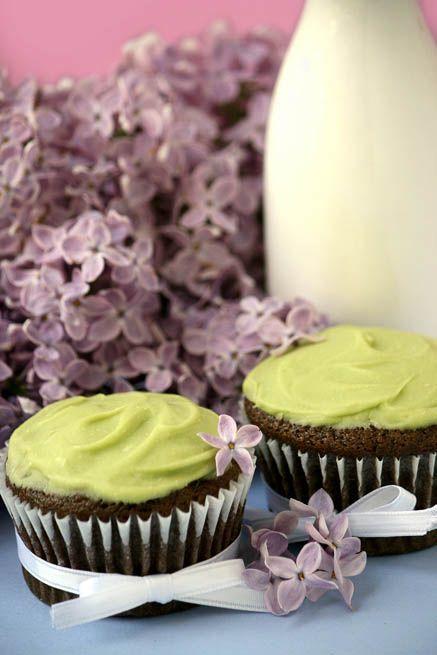 Vegan Chocolate Avocado Cupcakes | recipes | Pinterest