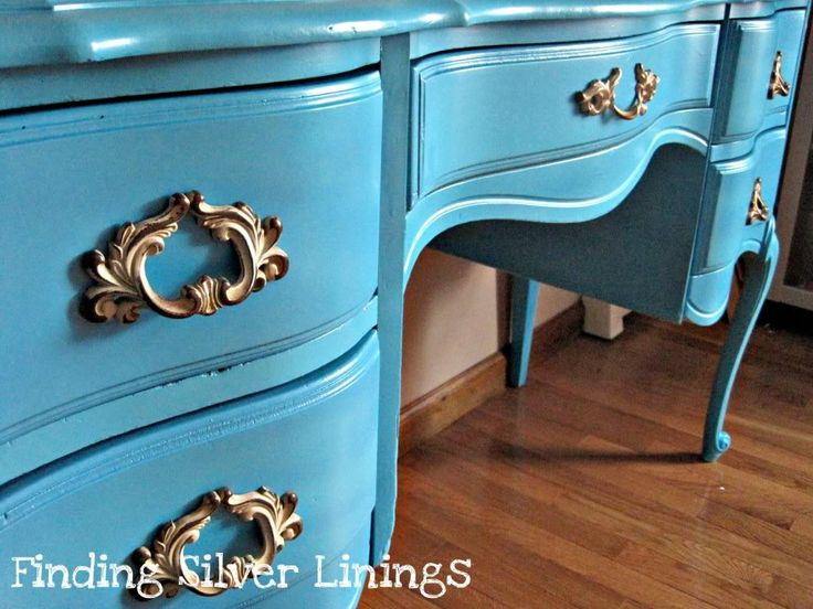 how to spray paint wooden furniture this desk went from white to. Black Bedroom Furniture Sets. Home Design Ideas