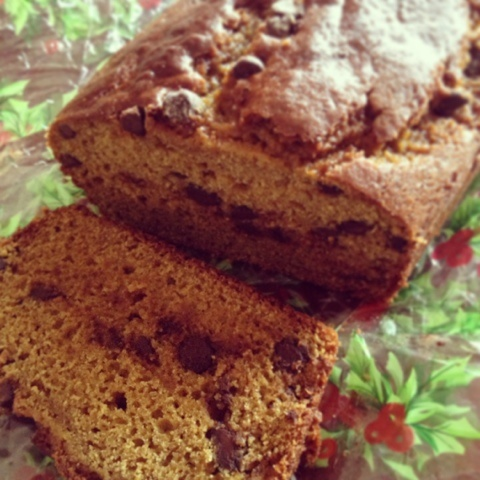 Chocolate Chip Pumpkin Bread (recipe uses Greek yogurt to make it ...