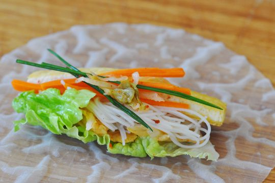 kimchi tofu summer rolls...also has a link to a fantastic sounding ...