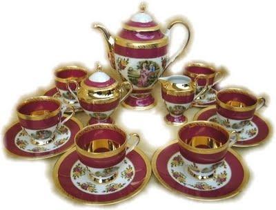 Very bold and beautiful dark colors  limoges‑tea‑set.  styleuplife.blogspot.com