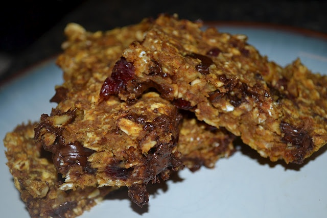 Chewy Pumpkin Chocolate Chip Granola Bars
