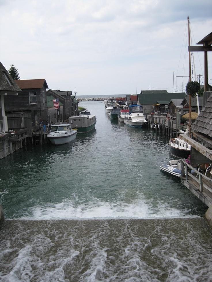 Leland michigan love fishtown oh how i love michigan for Lake leelanau fishing