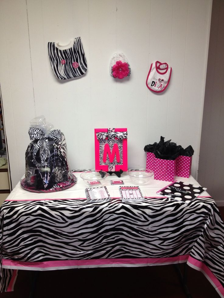Pink and zebra baby shower decorations pink and zebra for Decoration zebre