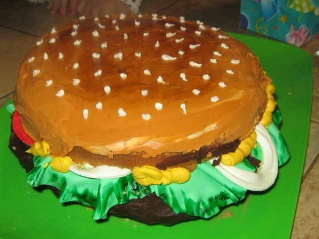 Birthday Cake Ideas For 18 Year Old Boy : Pin by Shirley on Cakes Pinterest