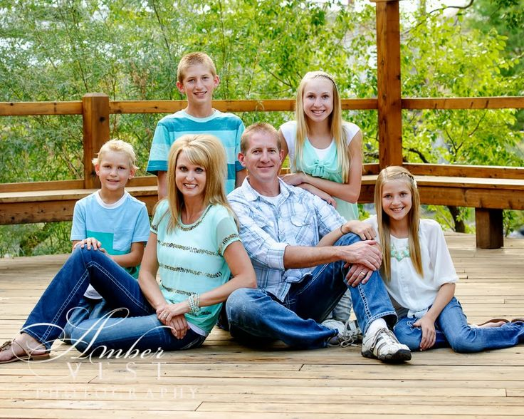 Family Picture Pose And Clothing Ideas Amber Vest