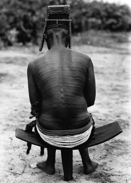 Africa | Bakutu woman with scarification. Belgian Congo. ca. 1940s | ©C. Lamote