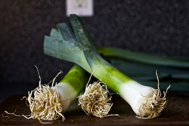 Leek Toasts with Blue Cheese - So simple, yet so spectacular. Try ...